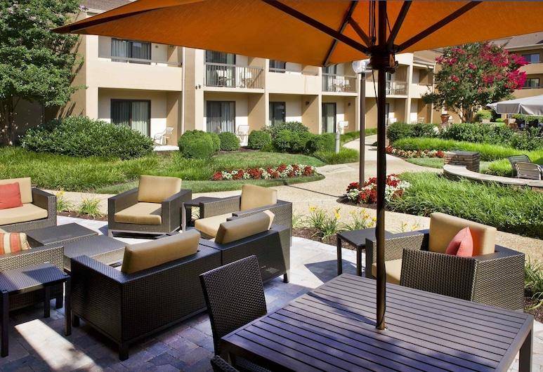 Courtyard by Marriott New Carrollton, Hyattsville, Terrace/Patio