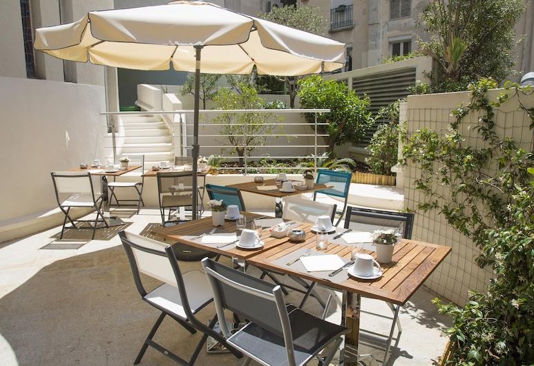 Hotel Cristal & Spa, Cannes, Terras