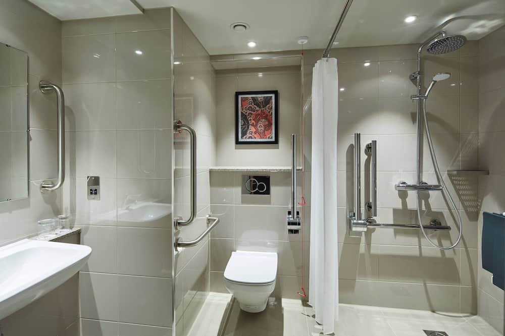 Deluxe Room, 1 Queen Bed, Non Smoking - Bathroom