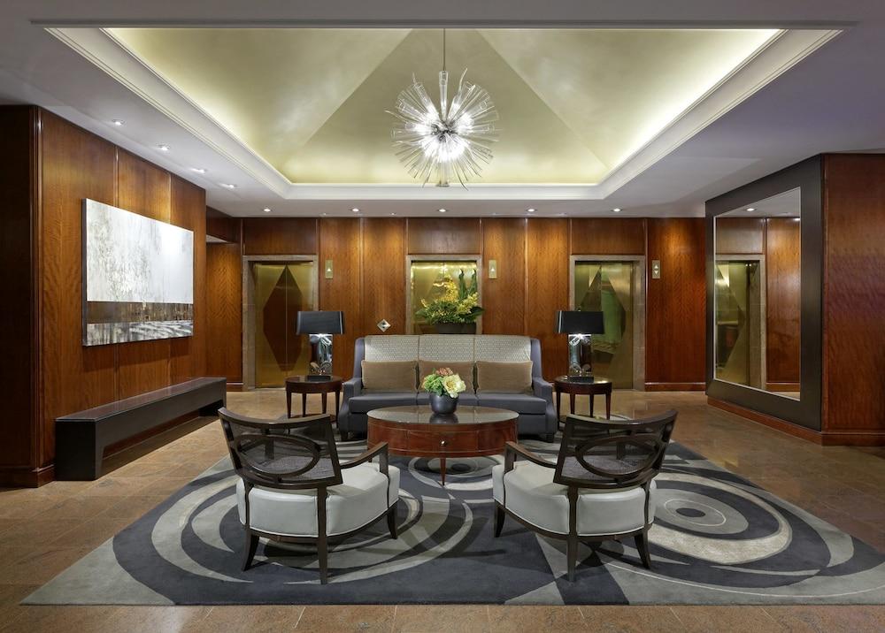 Cambridge Suites Hotel Toronto Interior Entrance
