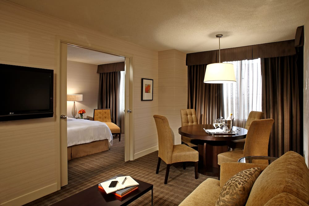 Executive Suite, 1 King Bed with Sofa bed - Guest Room