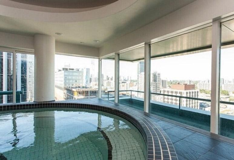 Cambridge Suites Hotel - Toronto, Toronto, Innendørs spabad