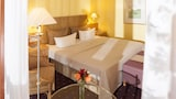 Choose This 4 Star Hotel In Bonn