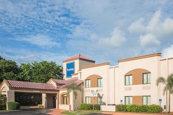 Hình ảnh Travelodge by Wyndham Fort Myers Airport tại Fort Myers