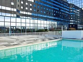 Book this Pool Hotel in Noisy-le-Grand