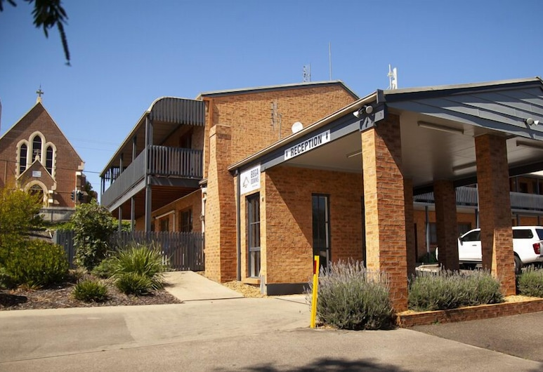 Bega Downs Motor Inn, Bega
