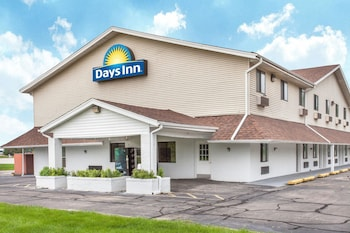 Picture of Days Inn by Wyndham Farmer City in Farmer City