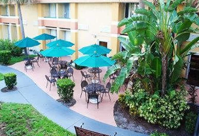 Baymont by Wyndham Florida Mall, Orlando, Terrace/Patio