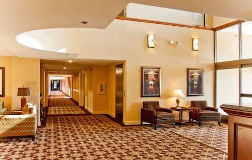 Ann Arbor Regent Hotel Suites Interior Entrance