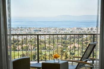 Picture of Newport Beach Marriott Hotel and Spa in Newport Beach
