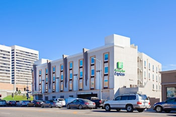 Picture of Holiday Inn Express West Los Angeles in Los Angeles