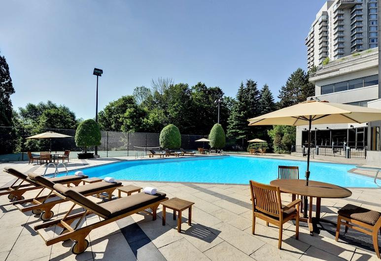 Pan Pacific Toronto, Toronto, Pool
