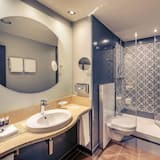 Privilege, Double Room, 1 Double Bed with Sofa bed - Bathroom