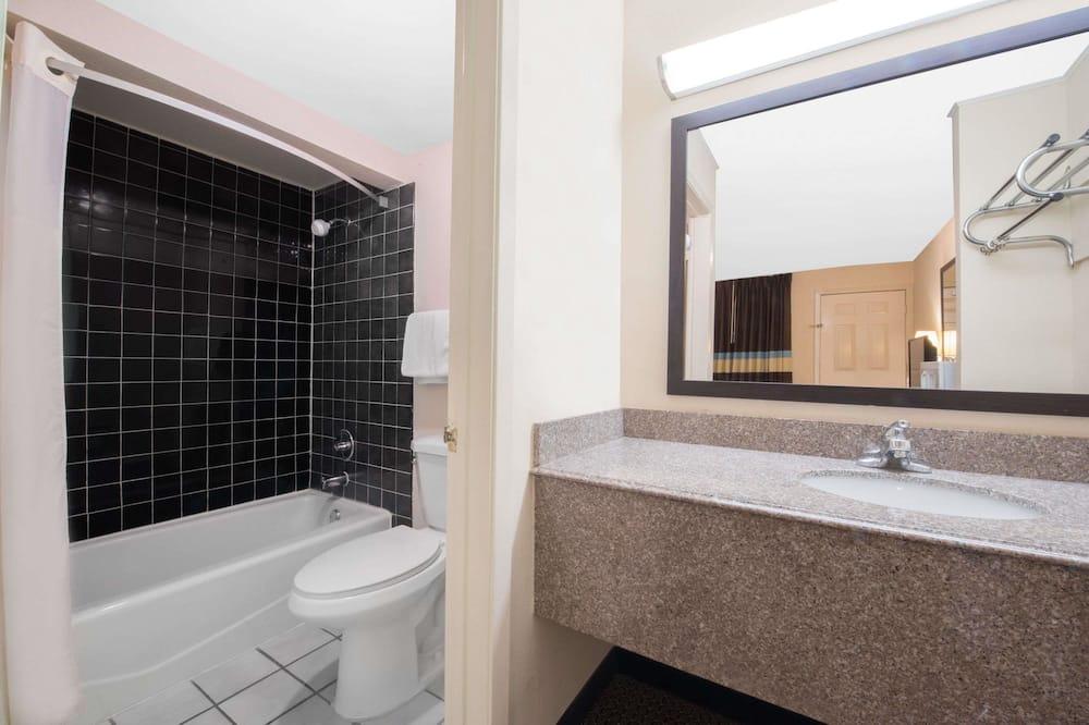 Room, 2 Katil Kelamin (Double), Smoking - Bilik mandi