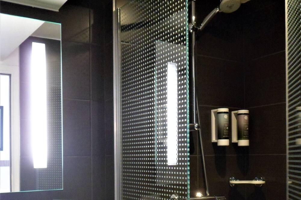 Standard Room, 1 Double Bed, Non Smoking - Bathroom