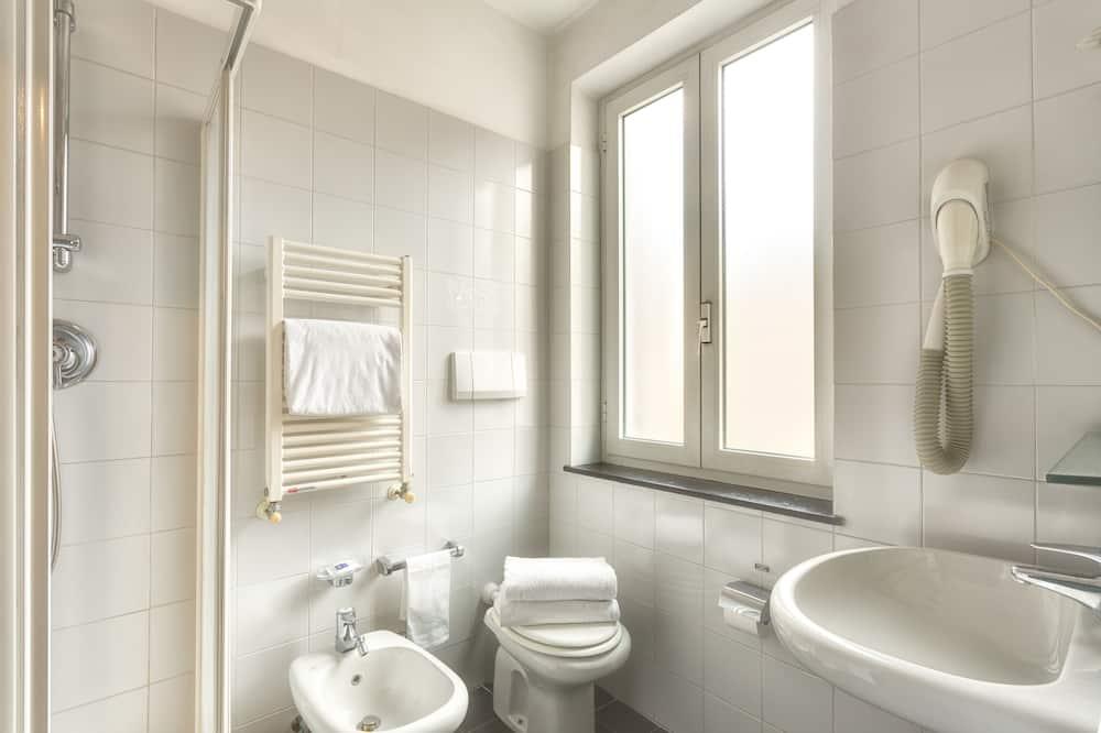 Economy Queen Room - Vonios kambarys