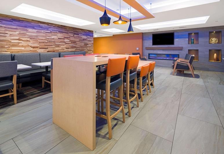 La Quinta Inn & Suites by Wyndham Orange County Airport, Santa Ana, Restorani