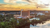 Choose This Luxury Hotel in Lake Buena Vista