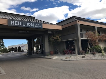 Picture of Red Lion Inn & Suites Deschutes River Bend in Bend
