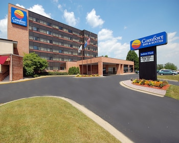 Picture of Comfort Inn & Suites Madison - Airport in Madison