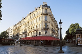 Picture of Hôtel Barrière Le Fouquet's in Paris