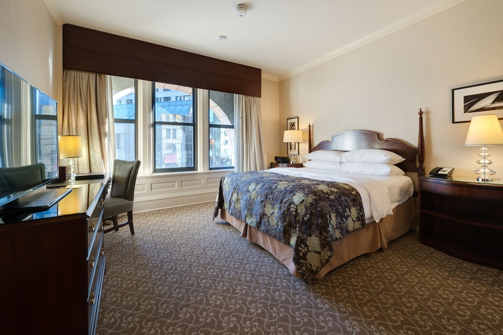 Book The Pfister Hotel In Milwaukee