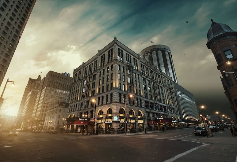 The Pfister Hotel, Milwaukee