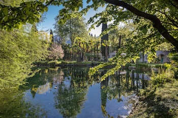 Enter your dates for our Riva del Garda last minute prices