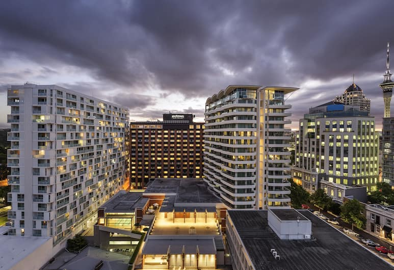 Pullman Auckland, Auckland, Hotel Front – Evening/Night