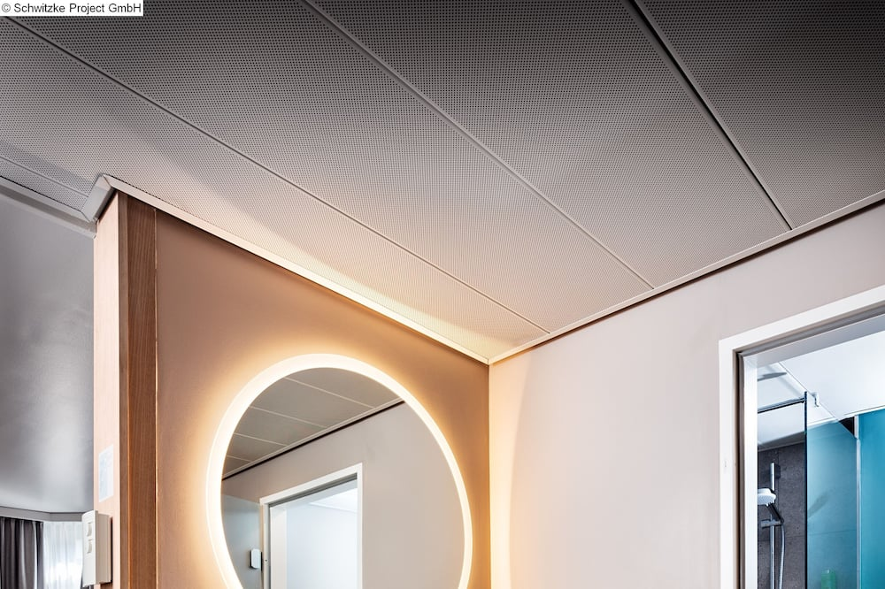 Family Room, Connecting Rooms - Bathroom