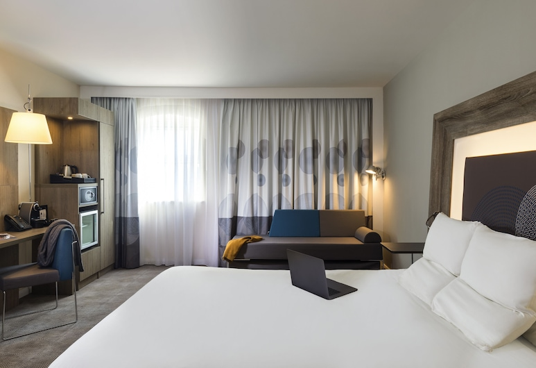 Novotel Newcastle Airport, Newcastle-upon-Tyne, Superior Room, 1 Queen Bed with Sofa bed, Guest Room