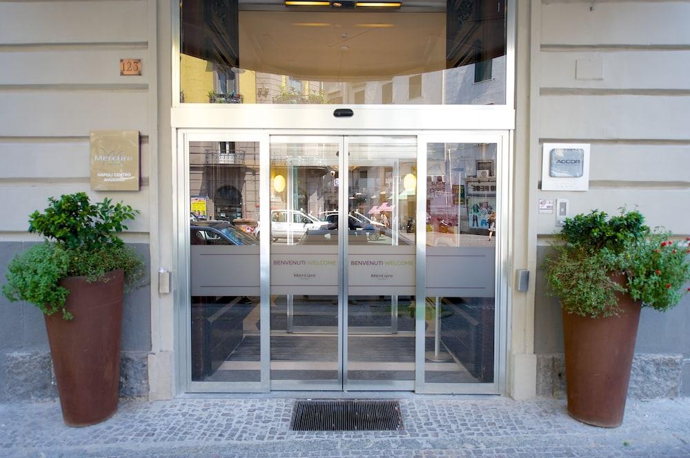 Mercure Napoli Centro Angioino, Naples