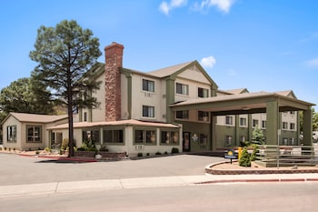 Фото Days Inn and Suites, Flagstaff East в в Флагштоке