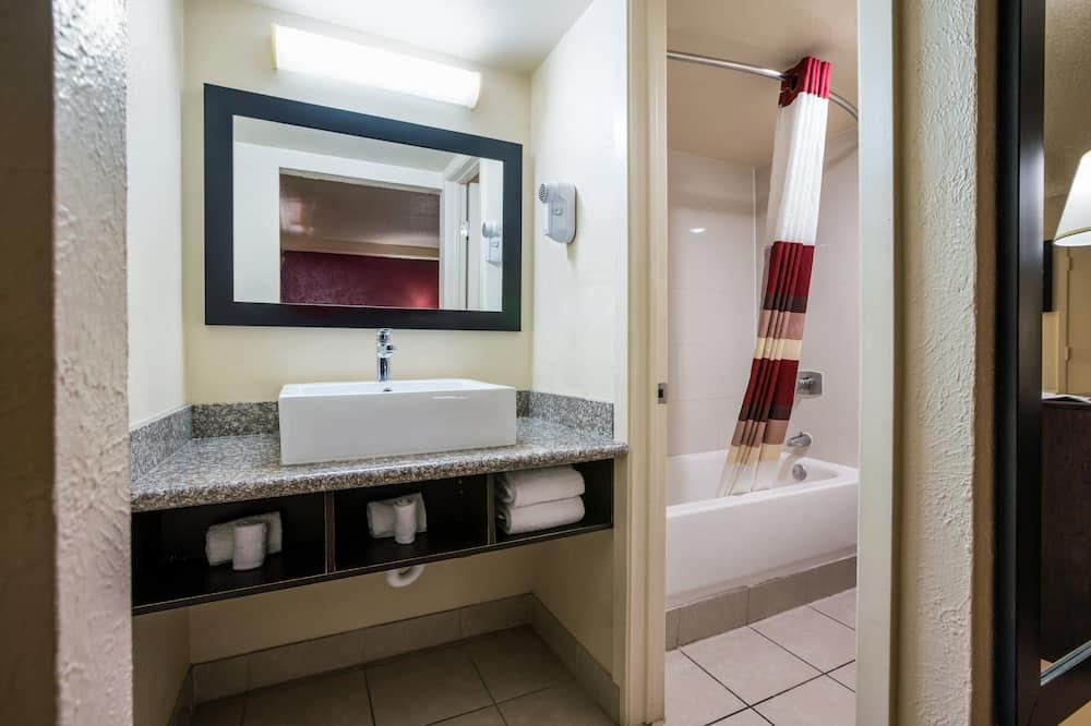 Business-Zimmer, 1King-Bett, Raucher, Kochnische - Badezimmer