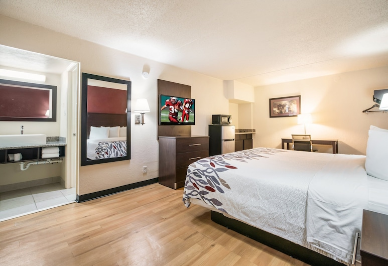 Red Roof Inn Dallas - Richardson, Dallas, Business-Zimmer, 1King-Bett, Raucher, Kochnische, Zimmer