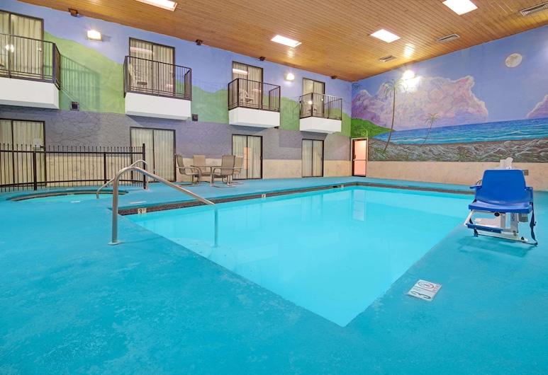 Days Inn by Wyndham East Albuquerque, Albuquerque, Pool