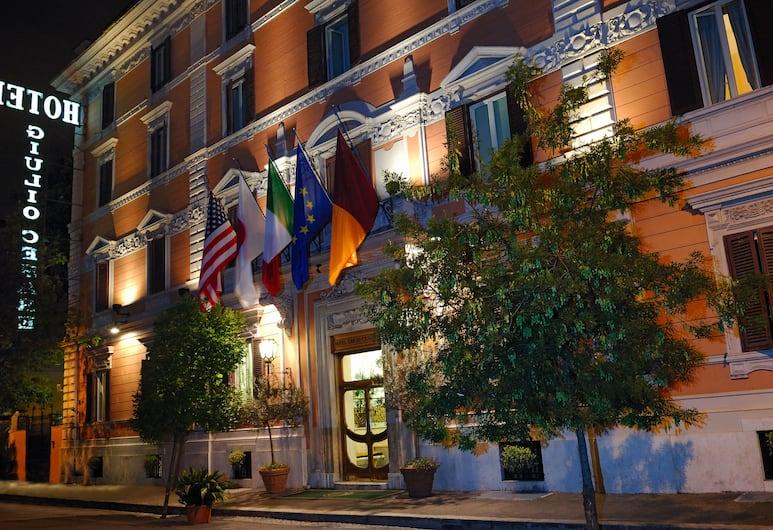 Hotel Giulio Cesare, Rome, Voorkant hotel