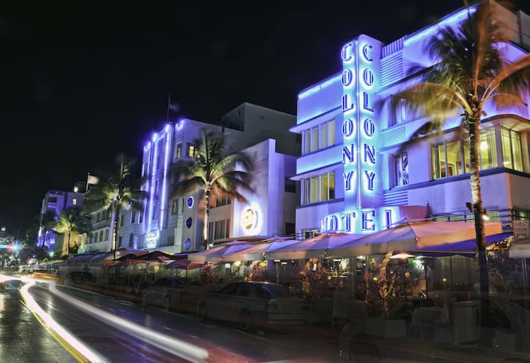 The Colony Hotel, Miami Beach, Pohľad na hotel – večer/v noci