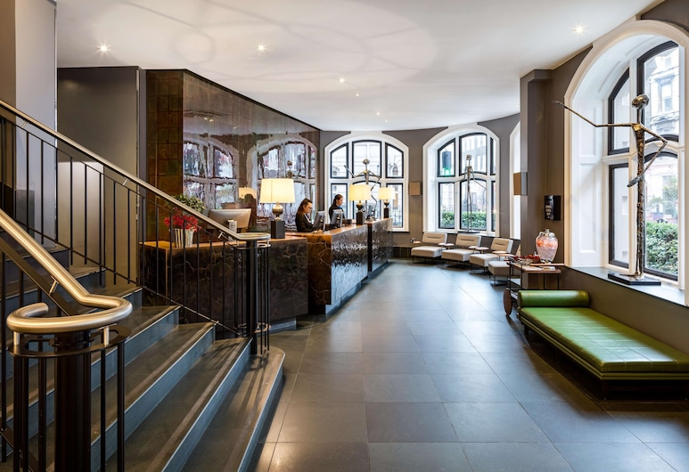 Radisson Blu Edwardian Bloomsbury Street Hotel, London, Lobby