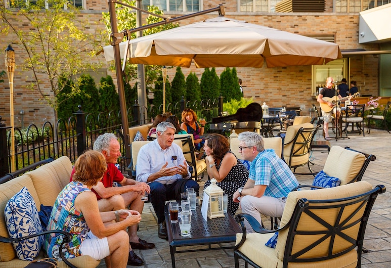 Morris Inn, South Bend, Outdoor Dining