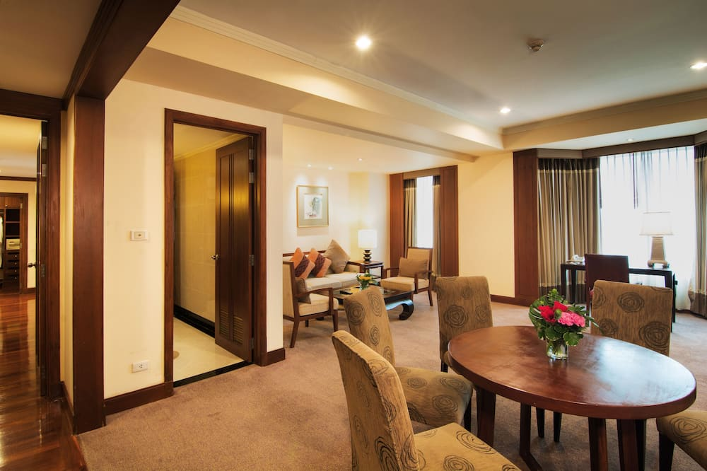Executive Suite, 1 Bedroom (96 Square Metres) - In-Room Dining