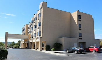 Picture of Best Western Knoxville Suites - Downtown in Knoxville