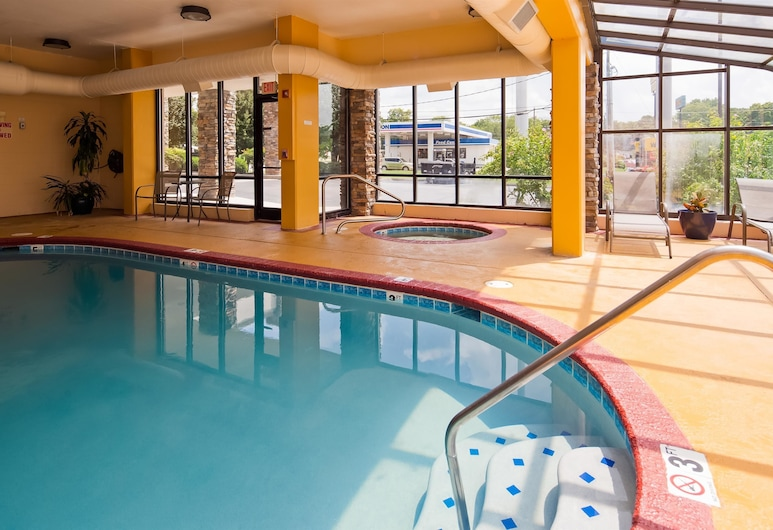 Best Western Knoxville Suites - Downtown, Knoxville, Pool