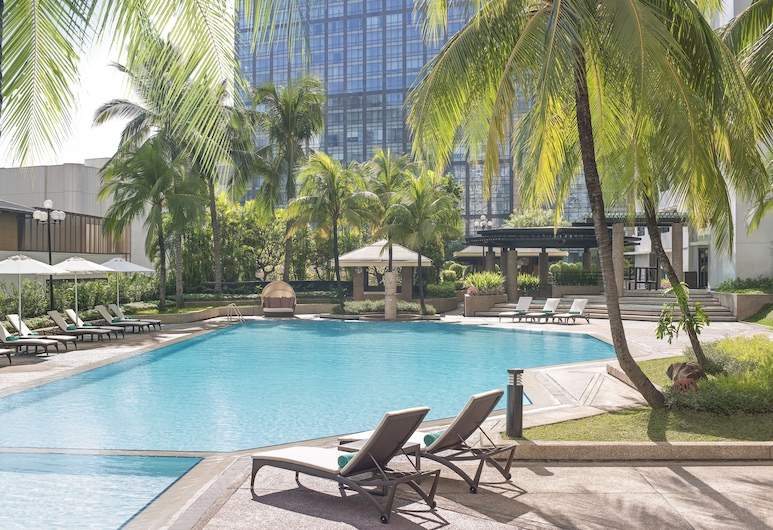 New World Makati Hotel, Makati, Piscina Exterior