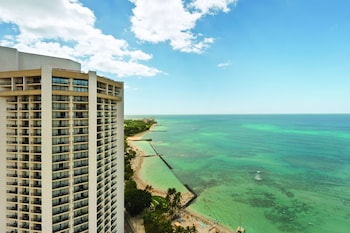 Picture of Hyatt Regency Waikiki Beach Resort & Spa in Honolulu