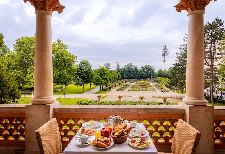 Hotel Schloss Weikersdorf, Baden, Terrace/Patio