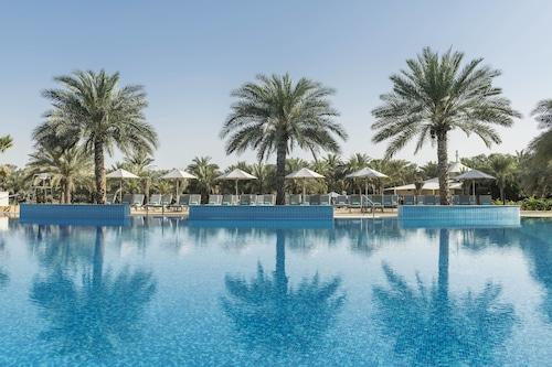 杜拜皇家艾美海灘度假村及