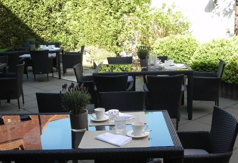 Hotel am Schloss Ahrensburg, Аренсбург, Сад