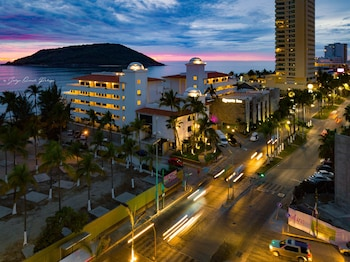 Picture of Hotel Quijote Inn in Mazatlan