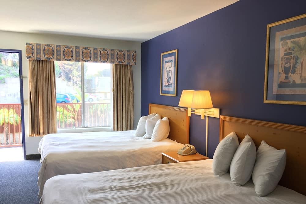Deluxe Room, 2 Queen Beds - Guest Room